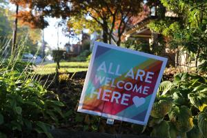 all_are_welcome_here_yard_sign_synagogue_shooting